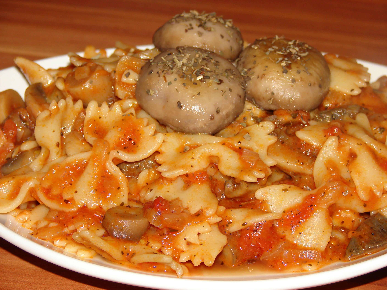 Paste cu ciuperci si rosii