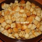 Crutoane de paine